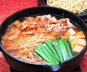 【食べ物に罪ナシ!】 晩ごはんはキムチ鍋 ← どう思う?