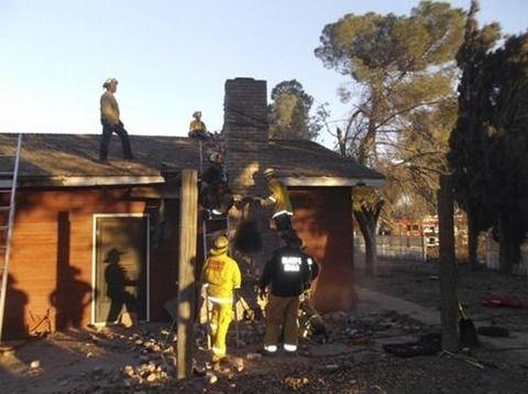 【あわてんぼう】煙突から侵入した泥棒、身動きが取れなくなり、帰宅した家主に燻製にされて死亡