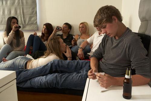 飲酒経験50%を超える中高生の実態