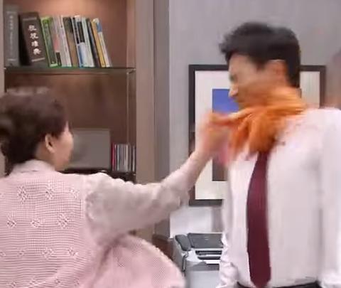 【芸能】韓国ドラマ キムチで男をビンタするという衝撃!