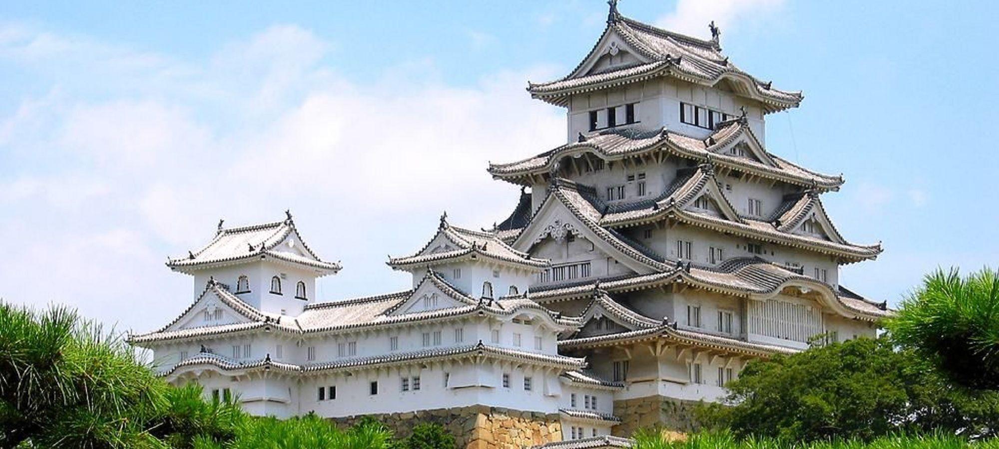 「白すぎ城」と揶揄された姫路城、入場客150万人突破 「死ぬまでに行きたい世界の城」で2位に