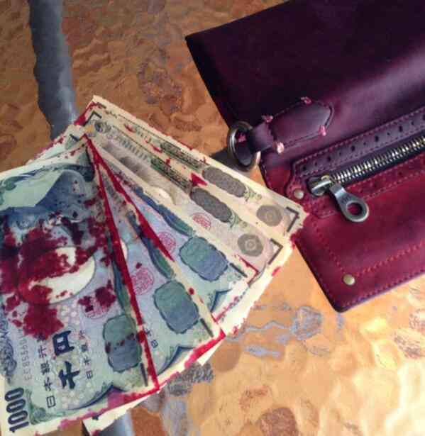 悲報、俺洗濯をするもズボンに入ってた財布まで洗濯する
