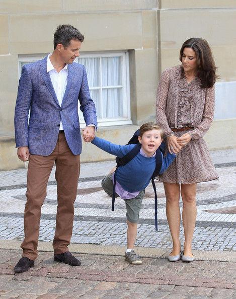 【隠岐じゃないよ】 デンマークのクリスチャン王子(10)がオーストラリアの海水浴場で沖へ流される