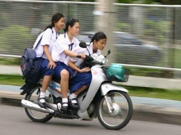 【(^ν^)v 】熊本の中学3年の2人がオートバイ「無免許」運転で不運と踊る またポエム量産か?