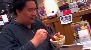 23秒で牛丼を完食する凄い男! 「早すぎ」「噛んでない」「飲み物かよ」「茶碗に見える」 動画あり