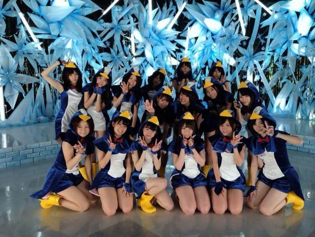 AKB48-Hashire-Penguin