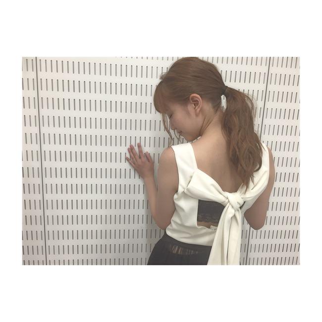 加藤恵さんの肩
