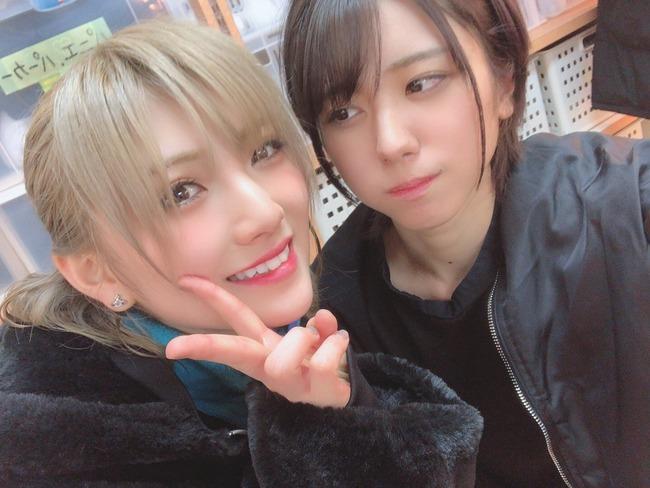【AKB48】岡田奈々「大西桃香は公演前、股下の際どいところに香水を塗っている!」場内騒然【チーム8】