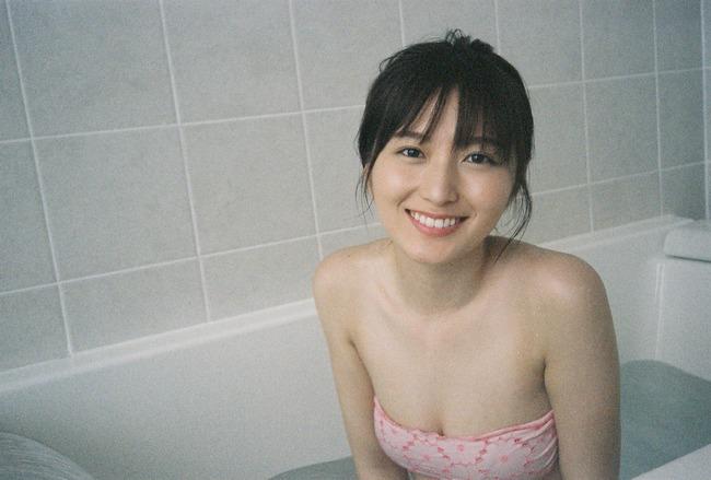 EiByYOZUMAALj46