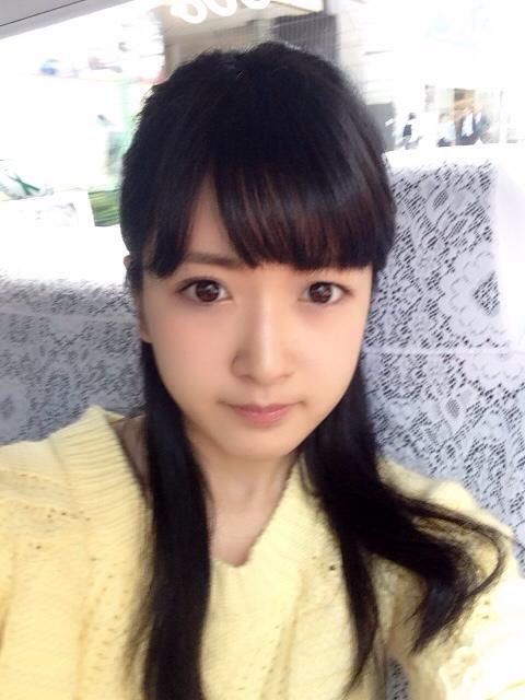 髪のアクセサリーが素敵な須藤凜々花さん