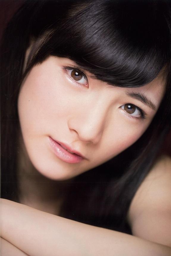 岡田奈々の顔のアップ画像