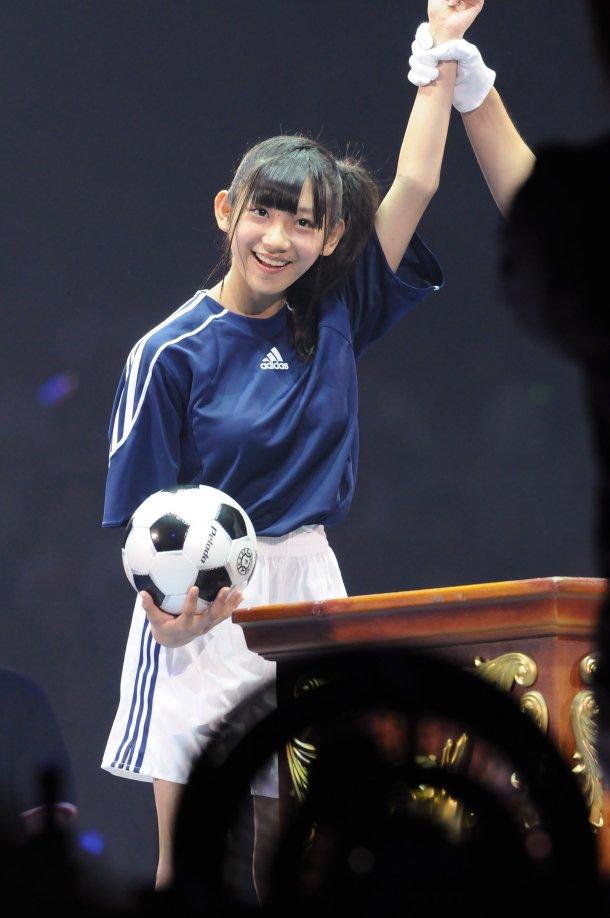 news_large_AKB48janken37