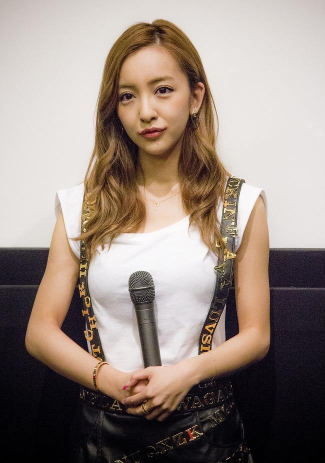1200px-Tomomi_Itano_in_2014