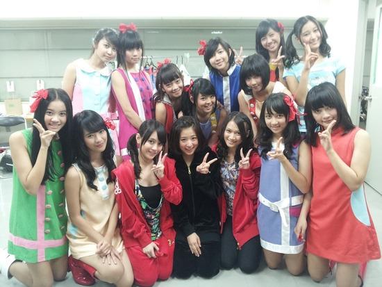 http://livedoor.blogimg.jp/akb48_matome/imgs/7/8/78209627-s.jpg