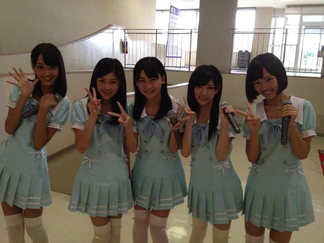 http://livedoor.blogimg.jp/akb48_matome/imgs/9/9/992495f8-s.jpg