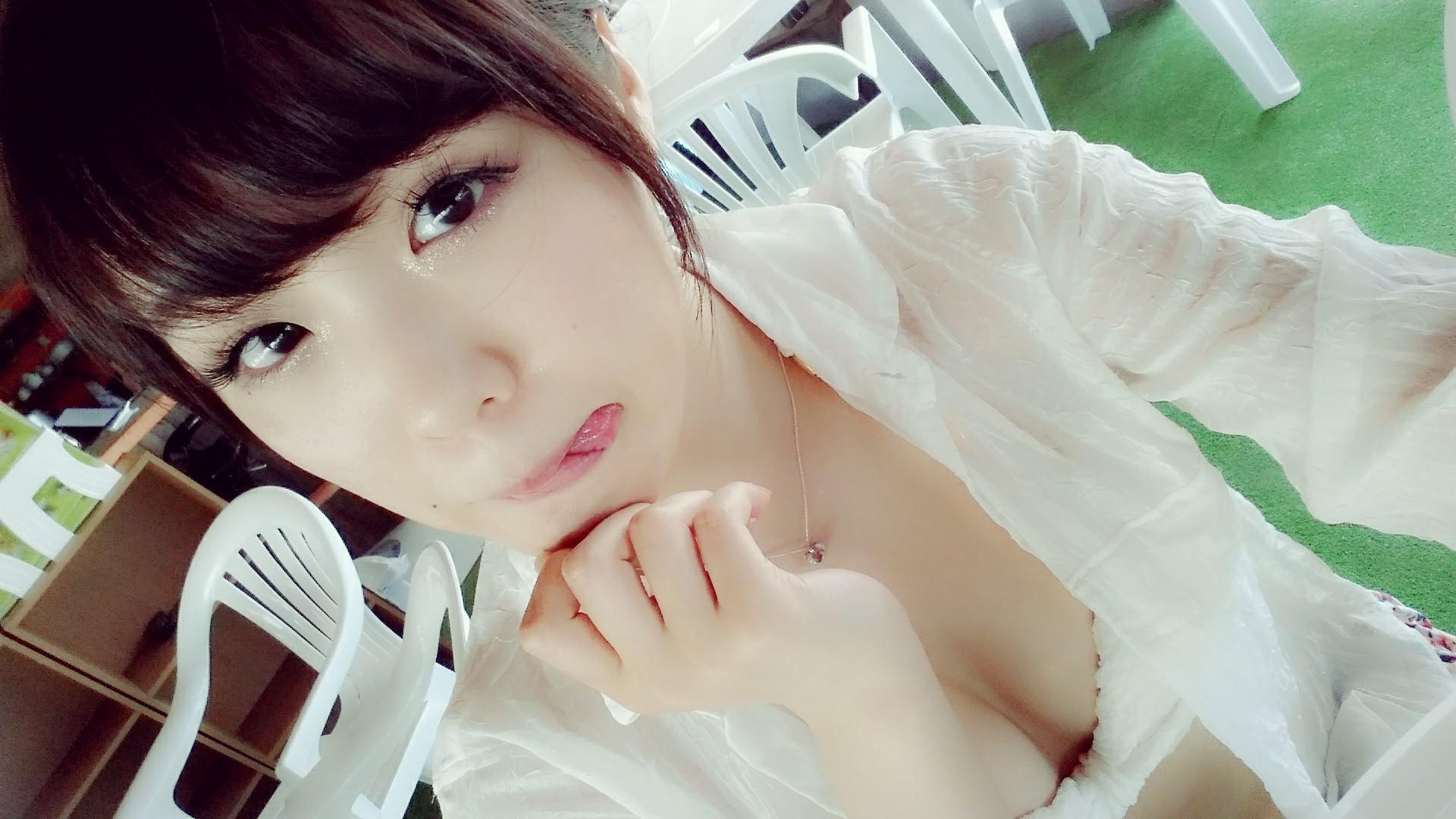 元SKE48メンバー石田安奈の水着姿などの高画質な画像集
