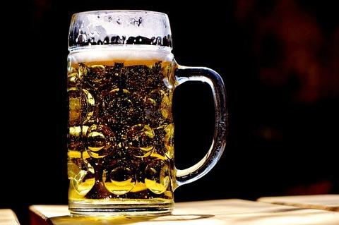 【悲報】ワイ、飯屋でビールを頼む「これ発泡酒やん」→ 店員が衝撃発言…ワイタヒ亡・・・