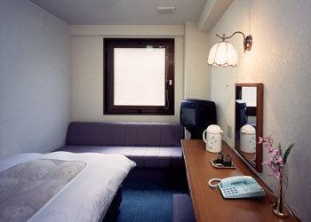 【驚愕】ビジネスホテルの3000円の部屋wwwww(画像あり) : NEWS ...