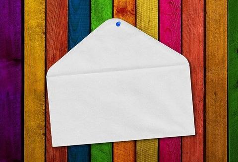 【驚愕】今まで家にカラフルな封筒が届いた事ない奴って「浅い」よなwwwwwwww画像あり