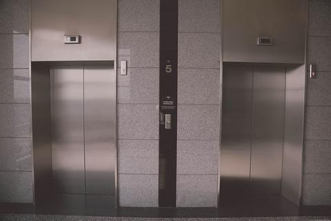 elevator-939515_640