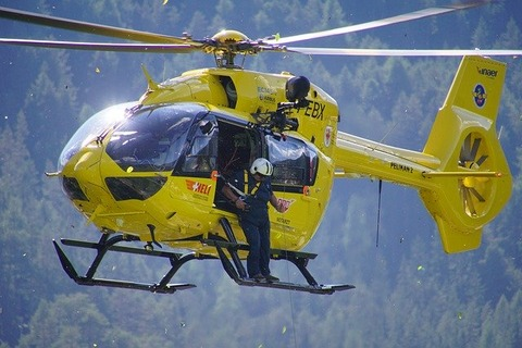 helicopter-1696239_640