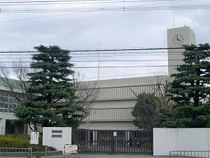 300px-Takatsukihighschool1