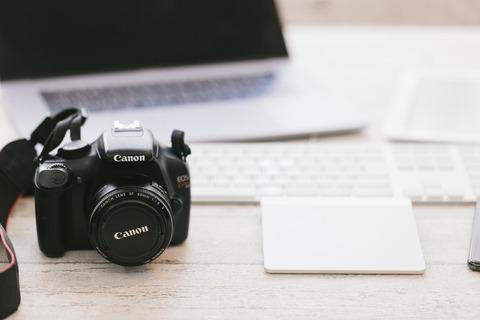 cameraIMGL9940_TP_V