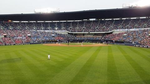 baseball-field-799207_640