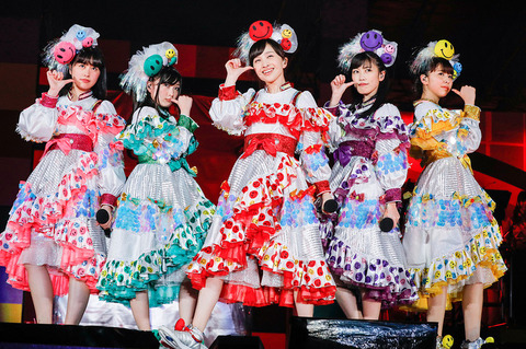 news_header_momoirocloverz_photo201704