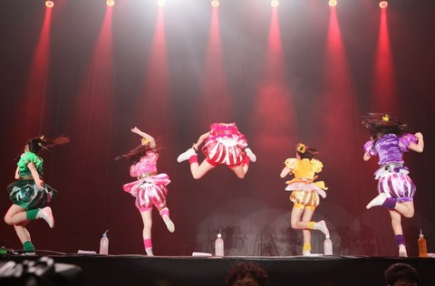news_large_momoclo_ozzfest07
