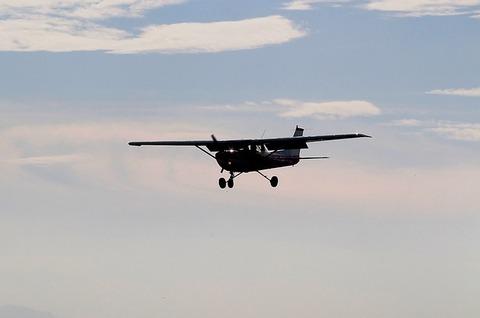 aircraft-466688_640