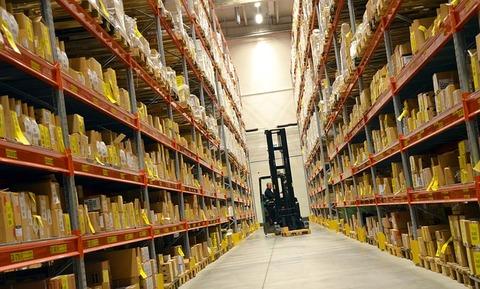 logistics-748152_640