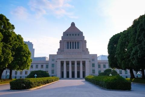 【異世界速報】朝日新聞さん「安倍内閣ではコロナ危機を収束できない。今は『石破内閣』しかない」