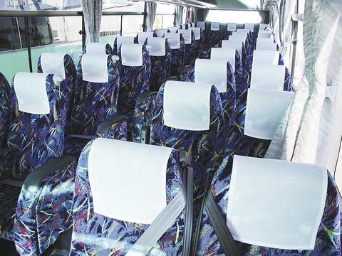 【愕然】夜行バスの4列座席、地獄すぎる・・・・・・