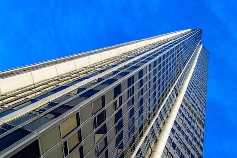 skyscraper-825546_960_720-718x479