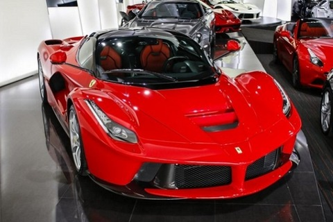 Two_Ferrari_LaFerraris_are_for_sale_in_Dubais