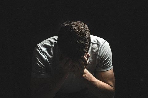 【悲報】全てを失った人間の表情がコチラ……(画像あり)