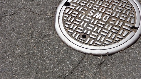 manhole-1200923_640