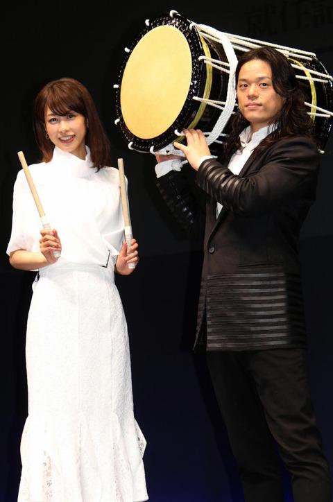 加藤綾子さんとコシノジュンコさ場001-3