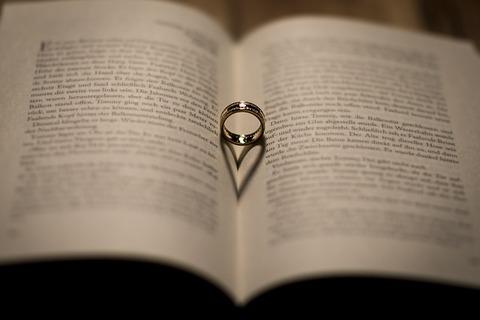 wedding-1412220_640