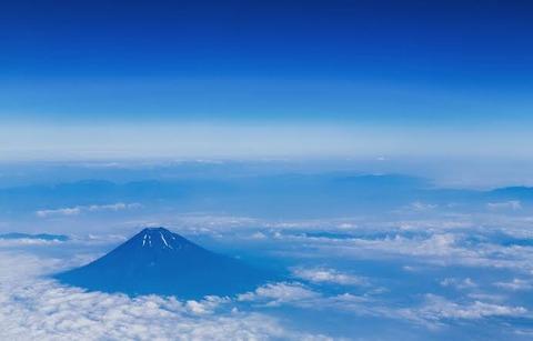 【愕然】富士山から滑落したTEDZU(40)、身元が「無職・塩原徹(47)」と判明→ 年齢が違う理由って・・・