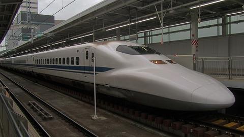 shinkansen-2712038_640