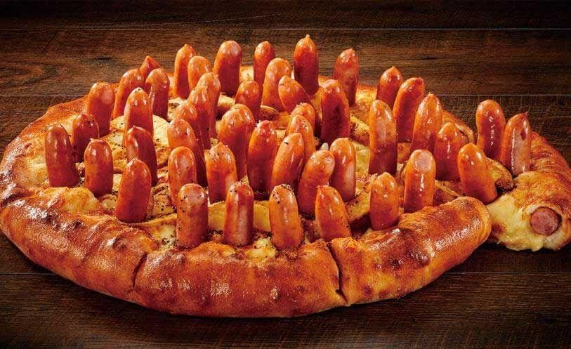 【狂気】宅配ピザチェーン「アオキーズ・ピザ」の新作がヤケクソすぎると話題にwwwwwwww(画像あり)