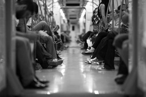 【悲報】黒人さん、また電車で大騒ぎしてしまうwwwwwww(動画あり)