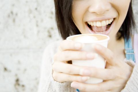 10_歯の黄ばみはホワイトニングで解消できる?