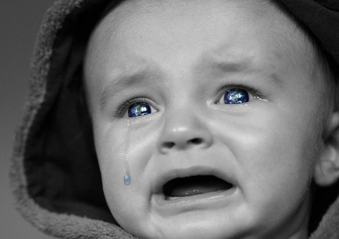 crying-baby-2708380_640