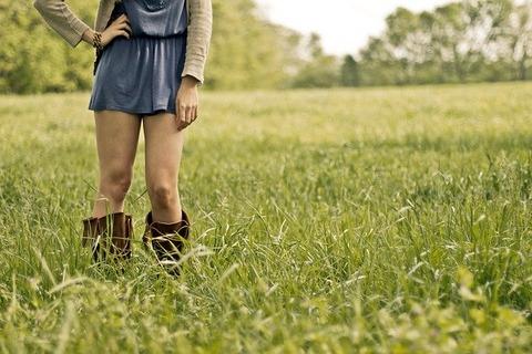 countrygirl-349923_640