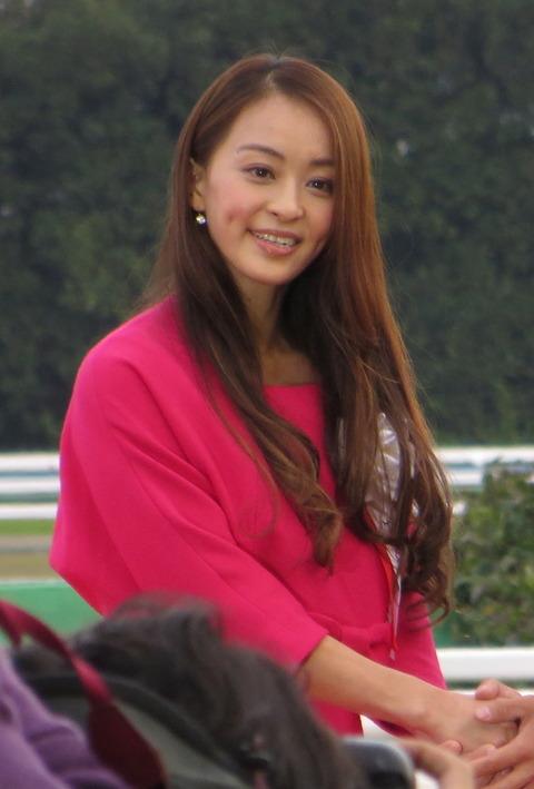 Rie_Tanaka_in_39th_Queen_Elizabeth_II_Cup_-_Kyoto_Racecourse
