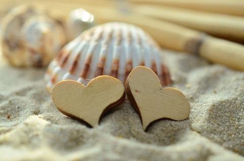 sand-1229590_640