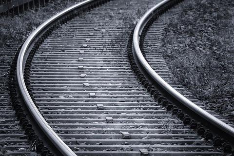 rails-3703349_640